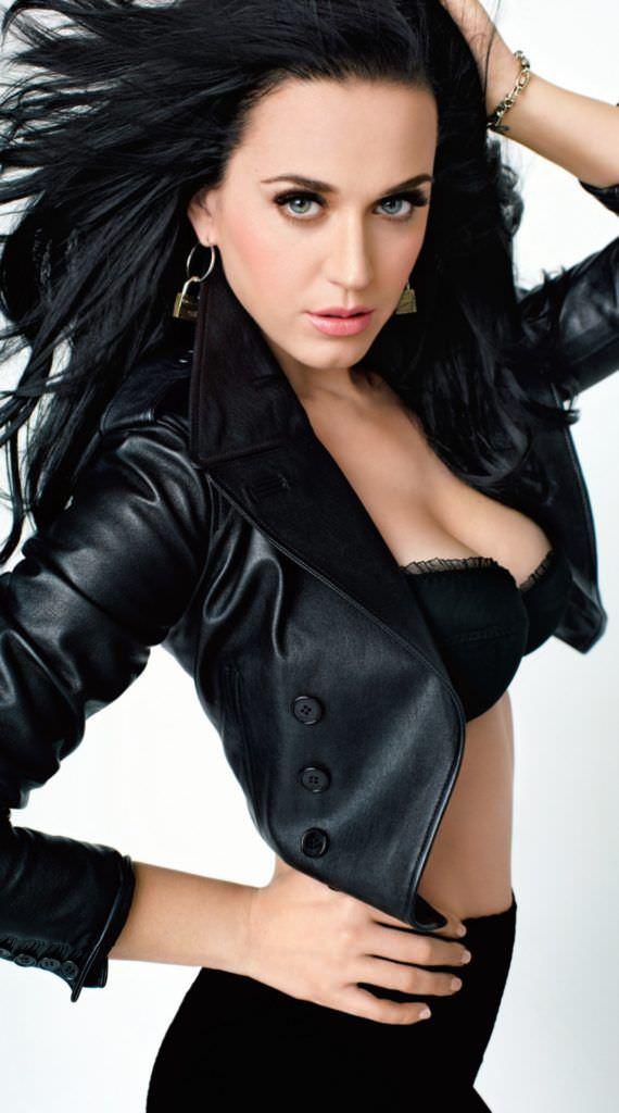Кэти Перри фото в кожаной куртке