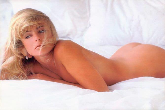 Эрика Элениак фотография в постели