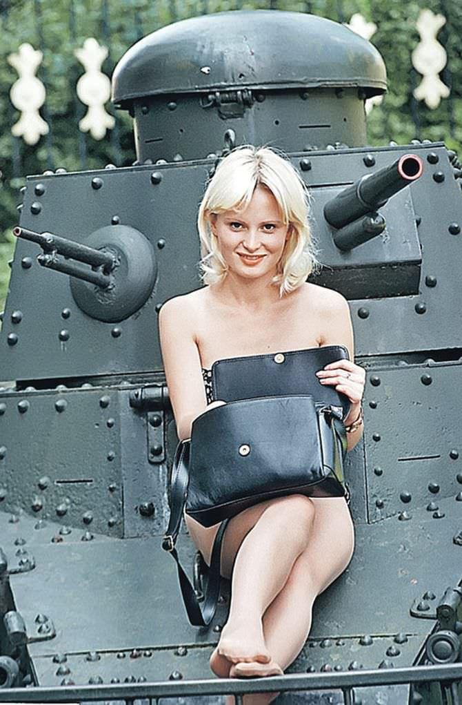 Дана Борисова фотография с танком 1996