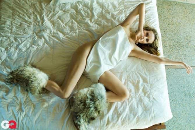 Диана Крюгер фото в меховых сапогах gq