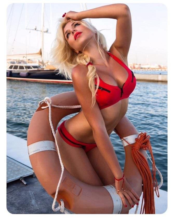 Виктория Лукина фотография в бикини