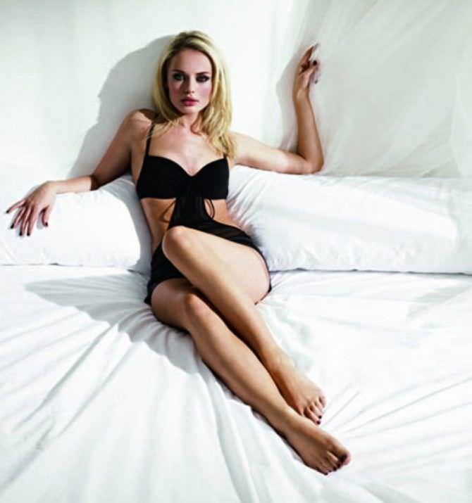 Лора Хэддок фото на кровати