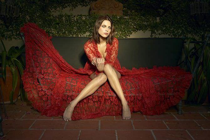 Лорен Джерман фотография в красном платье