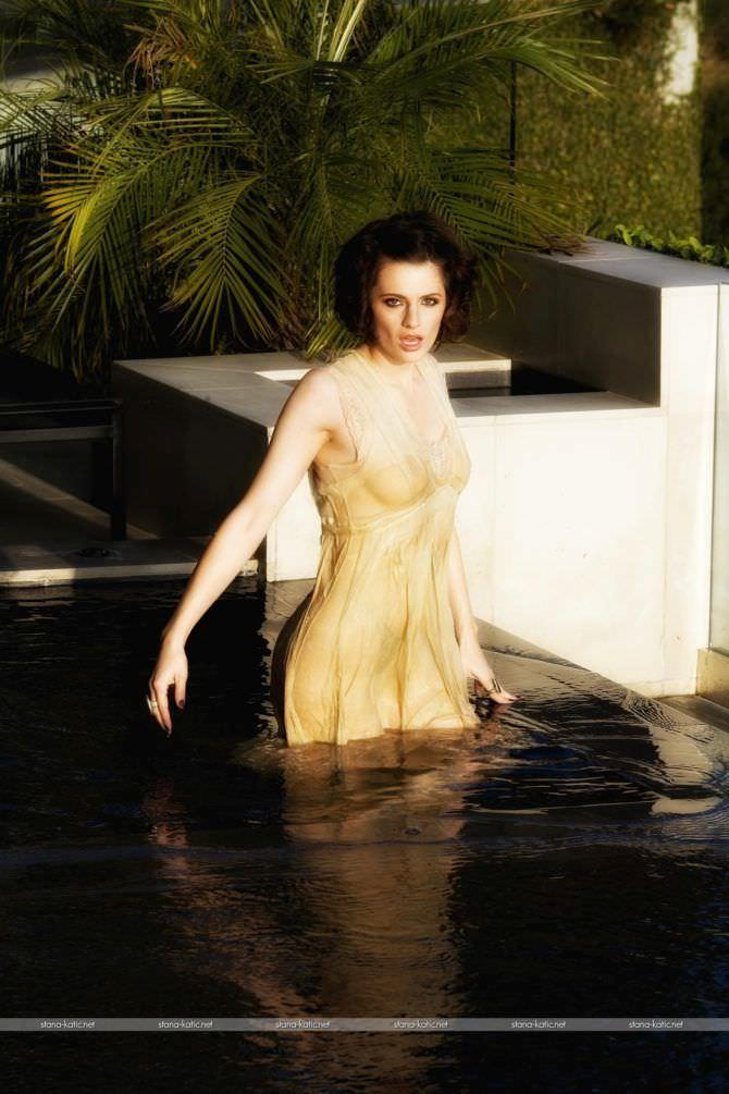 Стана Катич фотосессия в мокром платье
