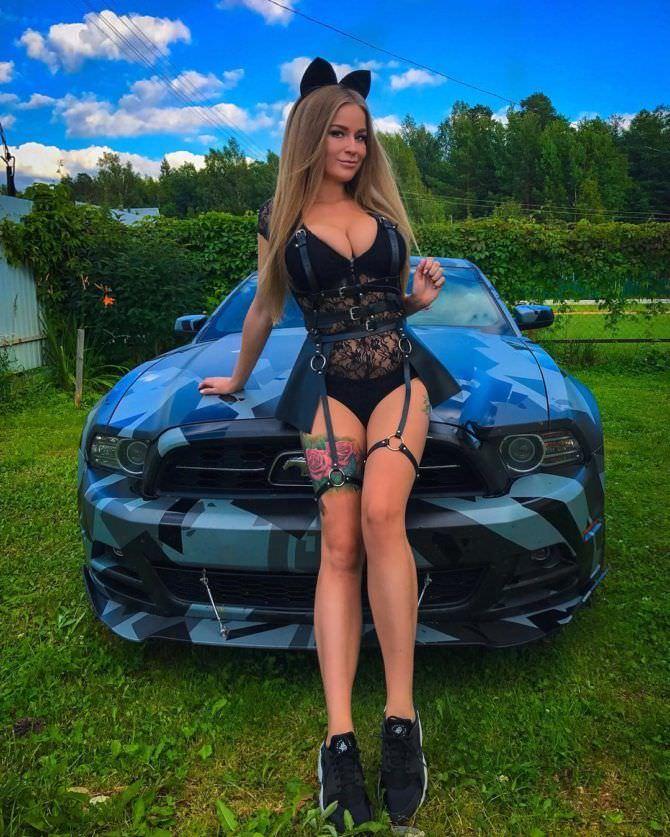 Софья Темникова фото в белье с авто
