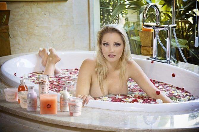 Лена Ленина фото в ванне с лепестками