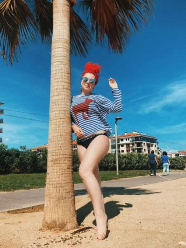 Стефания-Марьяна Гурская фотография с пальмой на пляже