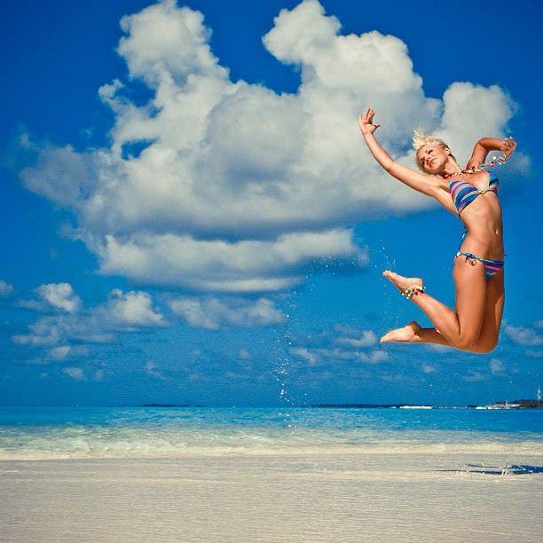 Виктория Лукина фотография на пляже в инстаграм