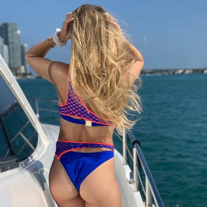 Эжени Бушар фото на яхте