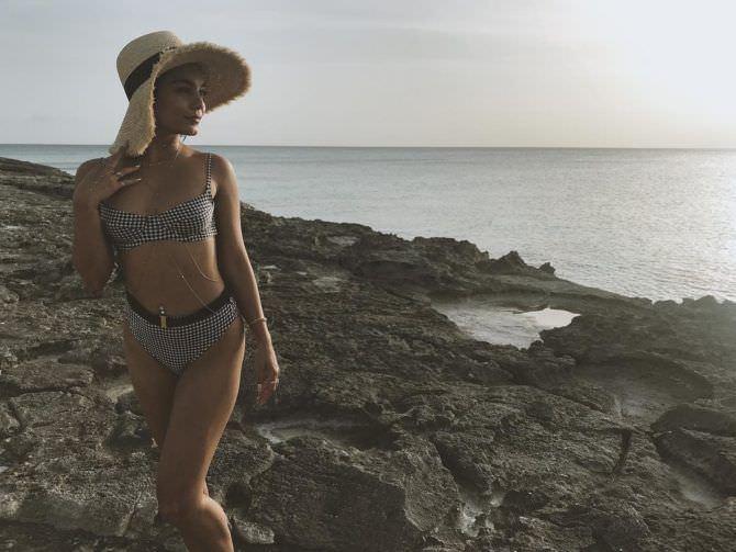 Ванесса Хадженс фотографяи в шляпе