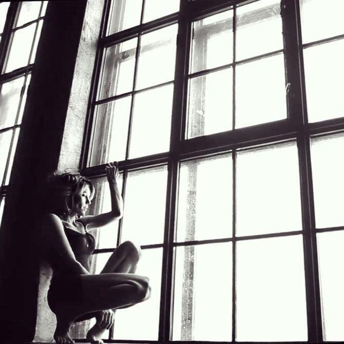 Юлия Подозёрова  фотография на окне