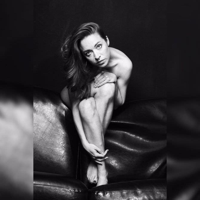 Серафима Низовская чёрно-белое в инстаграм фото
