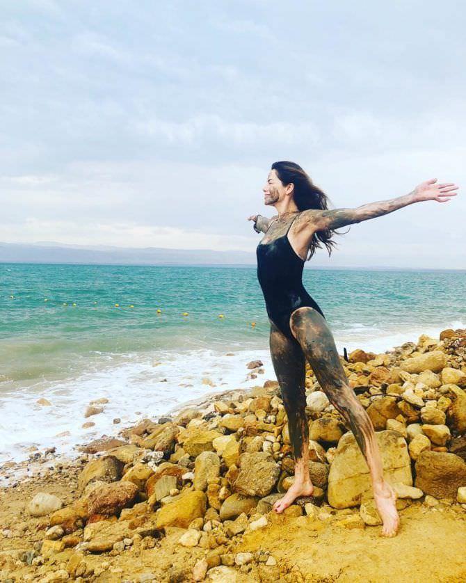 Мишель Монахэн фото на пляже в инстаграм