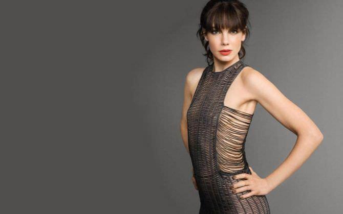 Мишель Монахэн фотография в откровенном платье