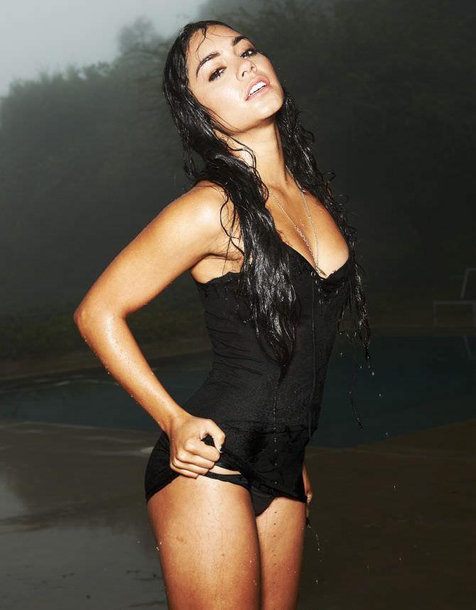 Ванесса Хадженс фотография в чёрном белье