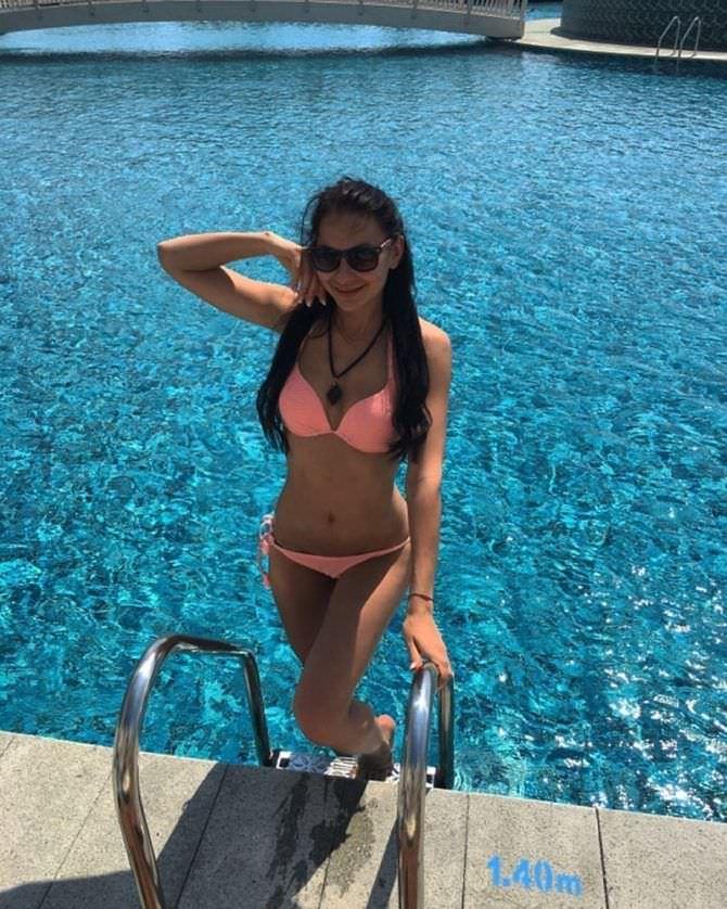 Анна Костенко фотография в бассейне