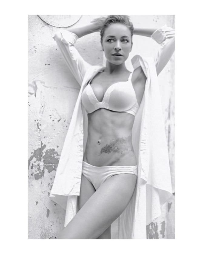 Серафима Низовская фото в инстаграм в нижнем белье