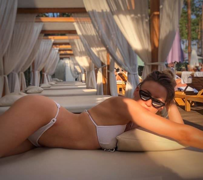 Леся Никитюк фото в бикини в инстаграм