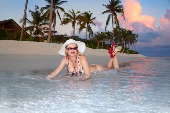Лена Ленина фотография в белье в море