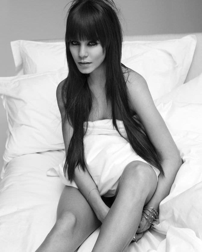 Ванесса Хадженс фотография в постели