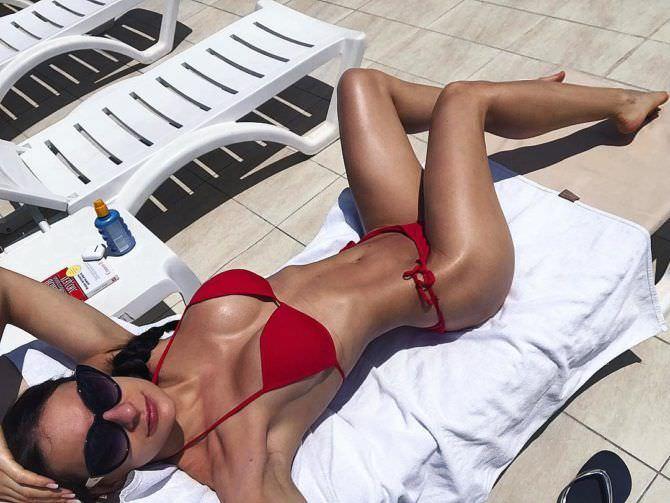 Анна Костенко фото на пляже в инстаграм