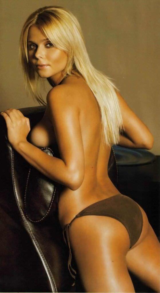 Ксения Новикова фотография в журнале в купальнике 2006