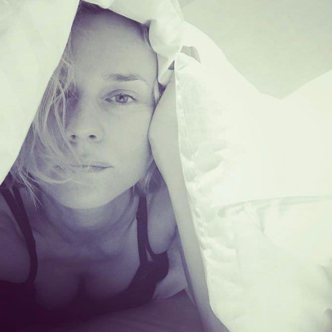 Диана Крюгер фото под одеялом