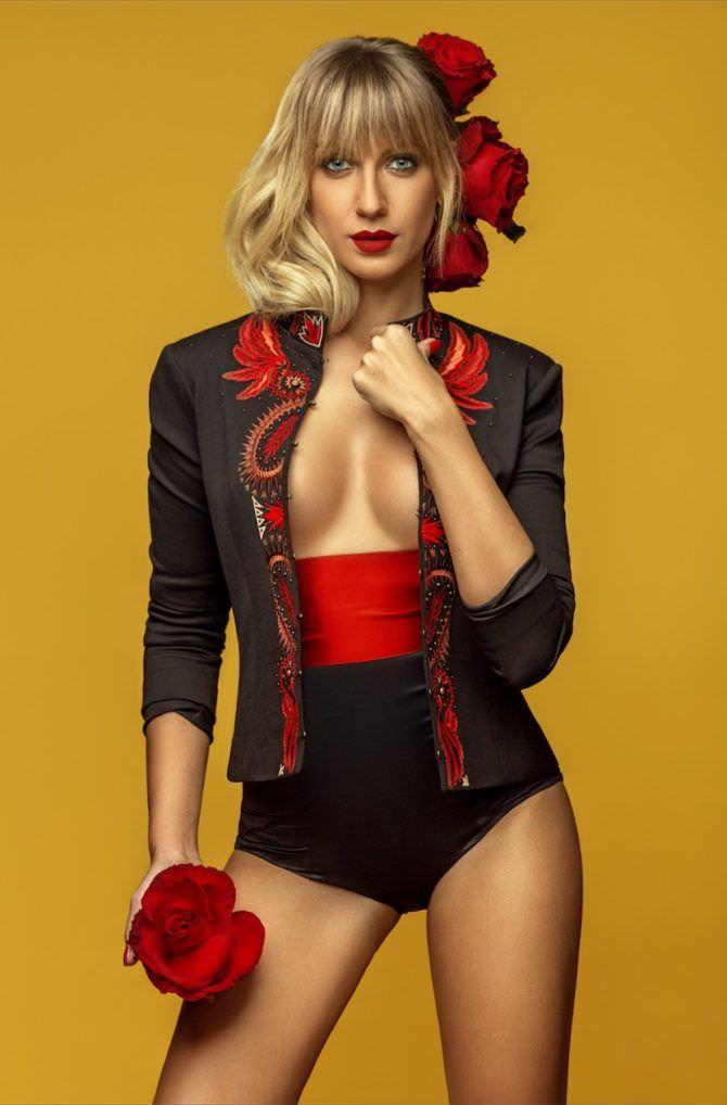 Леся Никитюк фото в костюме тореадора