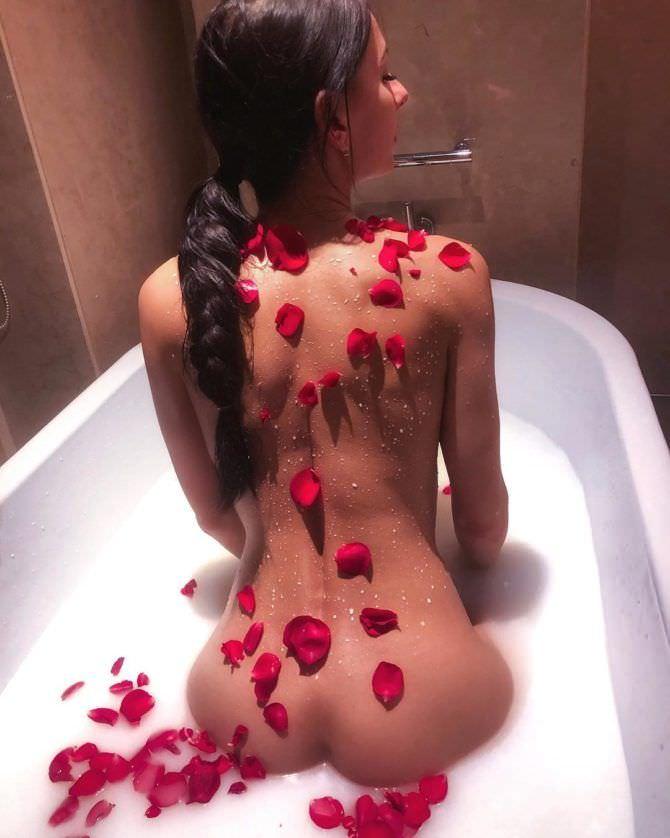Анна Костенко фото в ванне