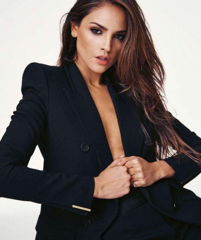 Эйса Гонсалес фото в чёрном пиджаке