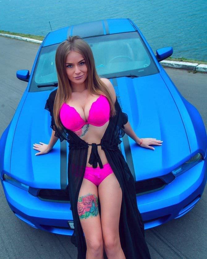 Софья Темникова фото в халатике с авто