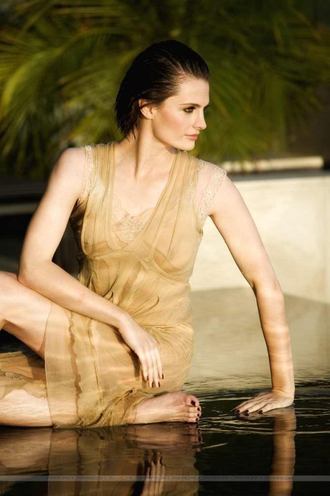 Стана Катич фотография в лёгком платье