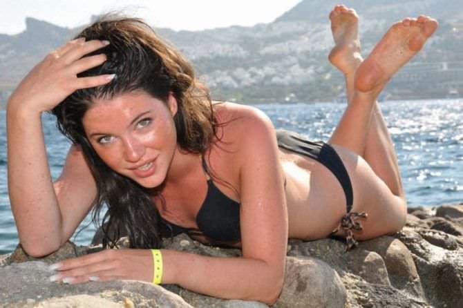 Дарья Мингазетдинова фотография в бикини на пляже