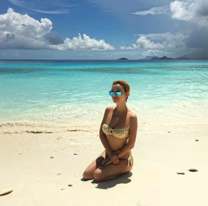 Ольга Орлова фото в бикини на пляже