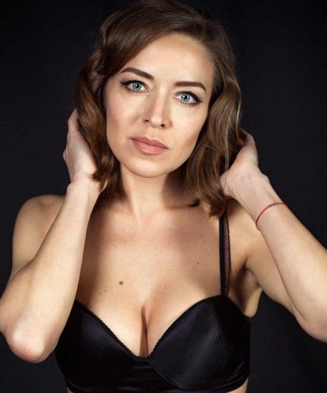 Серафима Низовская фотография в чёрном белье