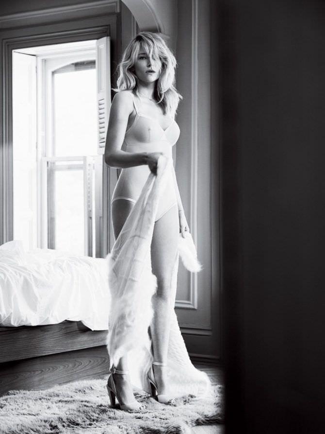 Хейли Беннетт фотосессия в журнале в нижнем белье