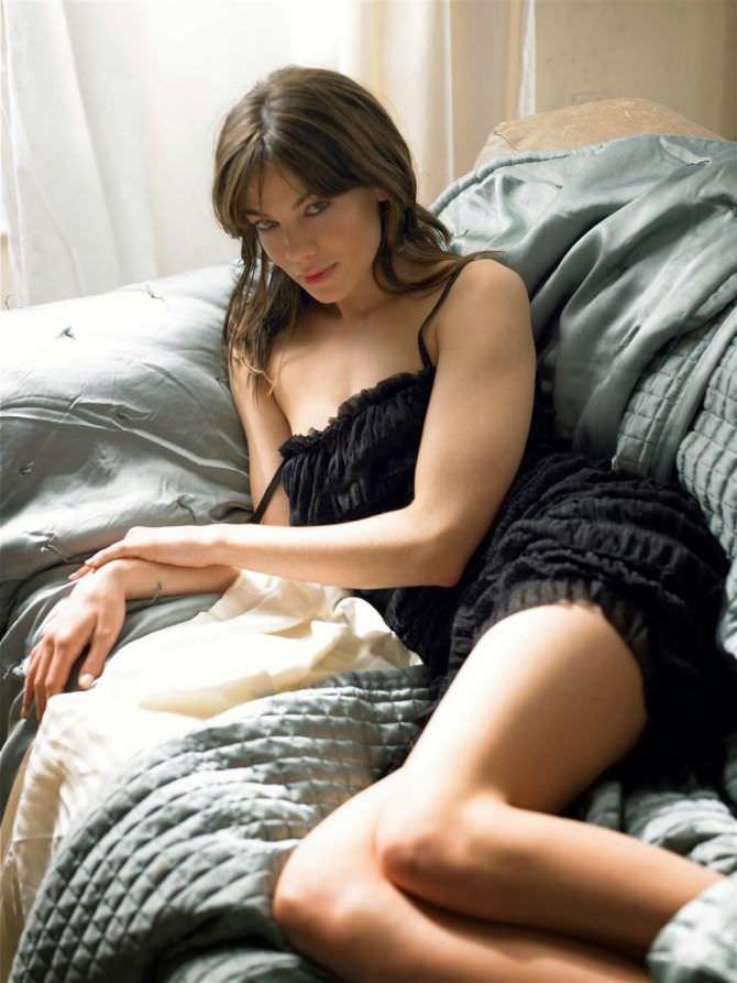 Мишель Монахэн фотография в чёрном платье