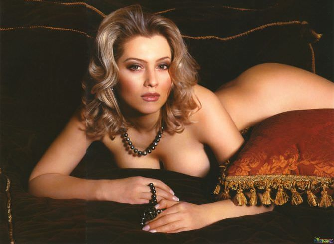 Лена Ленина фотография в бусах с подушками