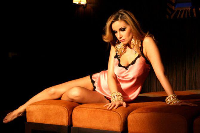 Ольга Орлова фотография в розовой сорочке