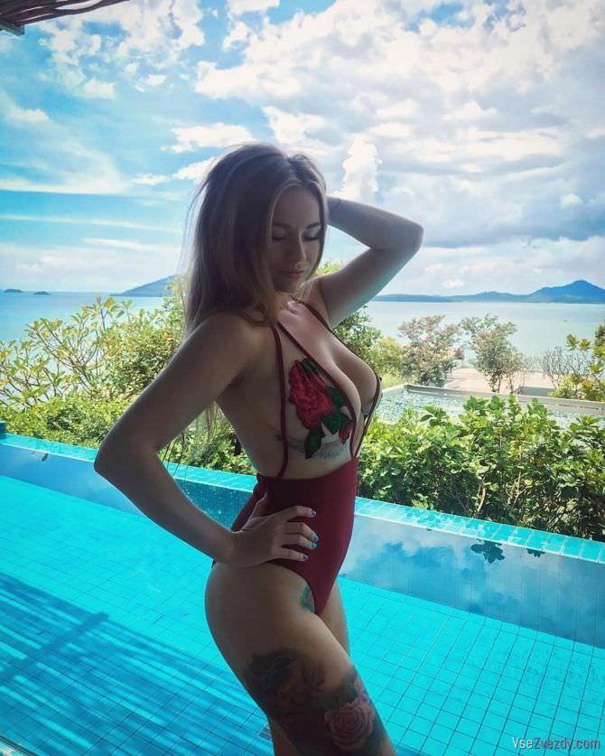 Софья Темникова фото в сексуальном купальнике