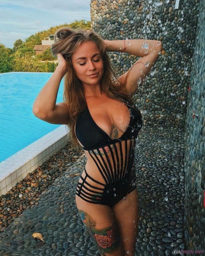 Софья Темникова фото в купальнике с завязками