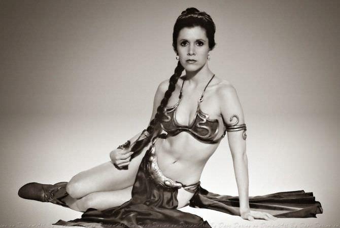 Кэрри Фишер чёрно-белое фото принцессы из фильма