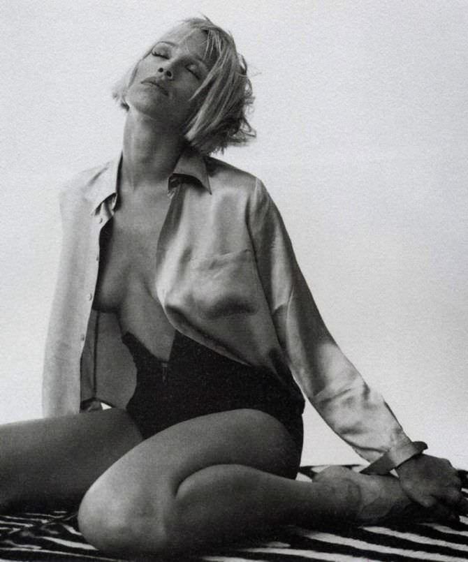 Эмма Сьоберг фотография в откровенном наряде
