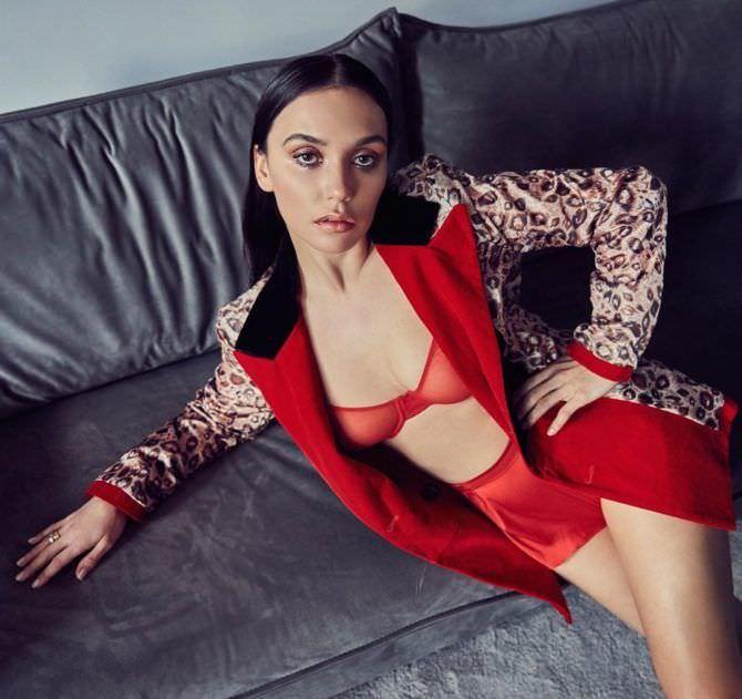 Ольга Серябкина в красном нижнем белье