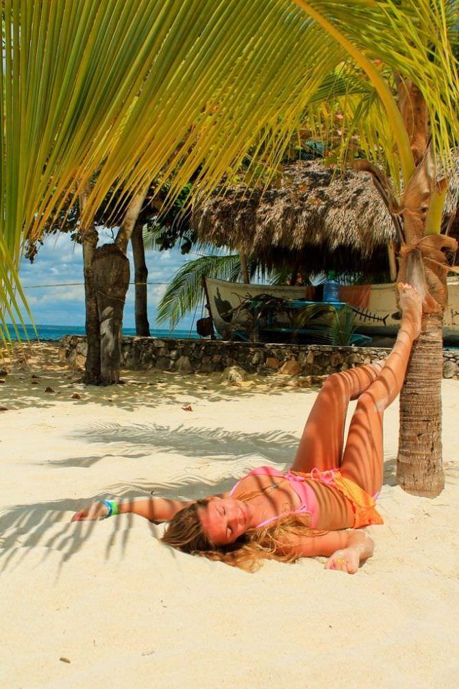 Юлия Ефимова фото под пальмой