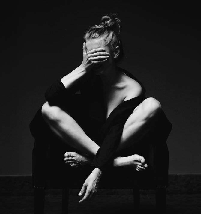 Дарья Мельникова чёрно-белая стильная фотосессия
