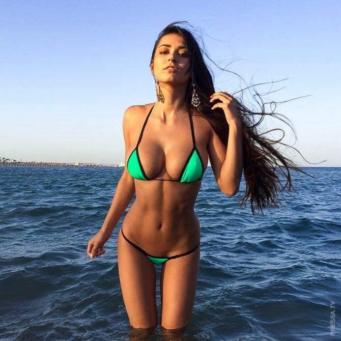 Хельга Ловкейти фотосессия на пляже