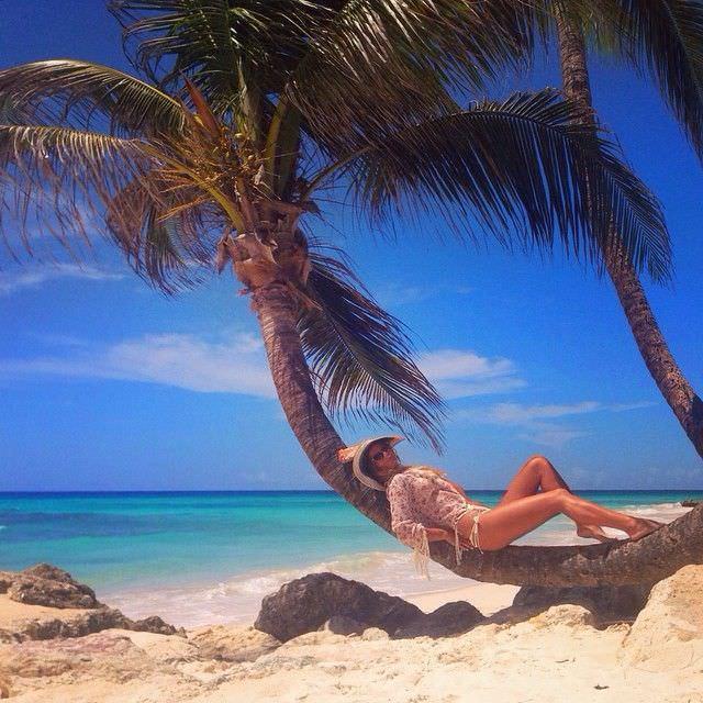 Юлия Ефимова фотография на пальме