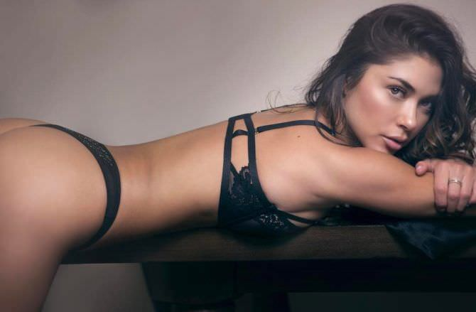 Арианни Селесте фото в сексуальном белье