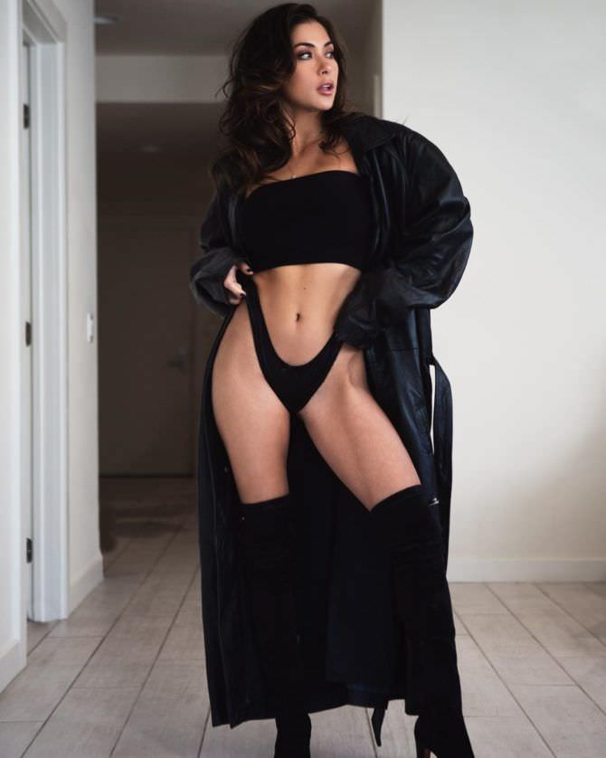 Арианни Селесте фотография в халате
